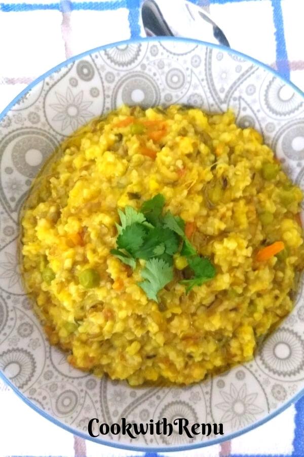 Daliya and Split Green Moong Dal Khichdi | Broken Wheat & Split Green Lentils Khichdi