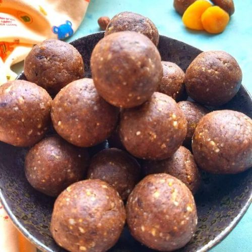 Sugarless Ragi Ladoos | Sugarless Ragi Energy Bites