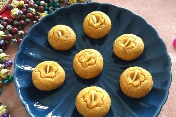 Microwave Caramel Coconut peda
