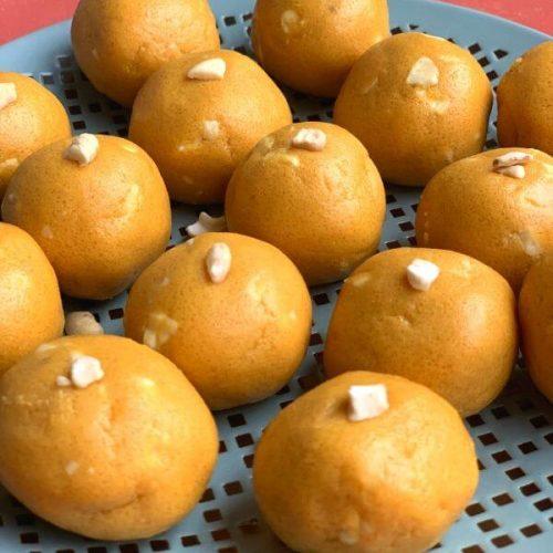 Besan Ladoo (Indian festive Sweet)