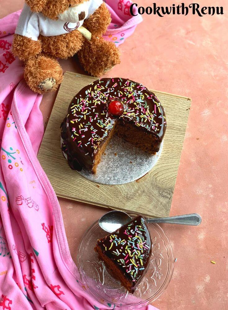 Chocolate cake and a slice cake