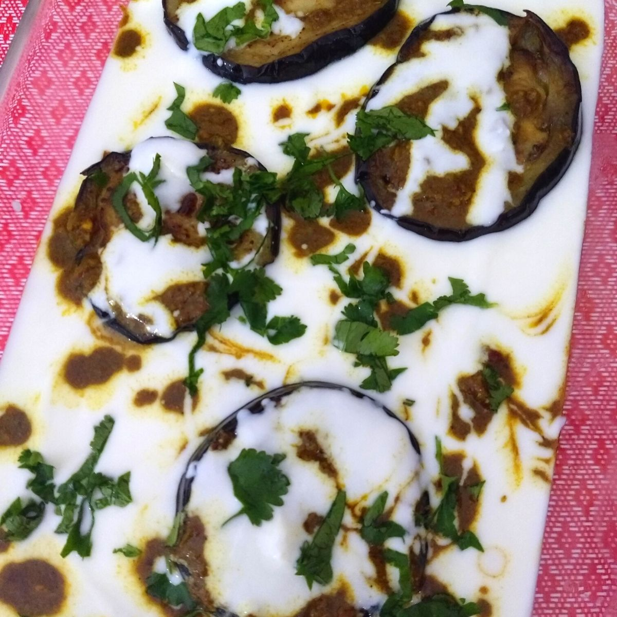 Dahi wale Baingan is a yummy, tangy and and easy eggplant recipe made using a few spices available in your kitchen and can be assembled in 20-30 minutes.
