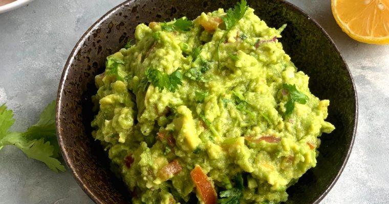Easy Chunky Avocado Guacamole