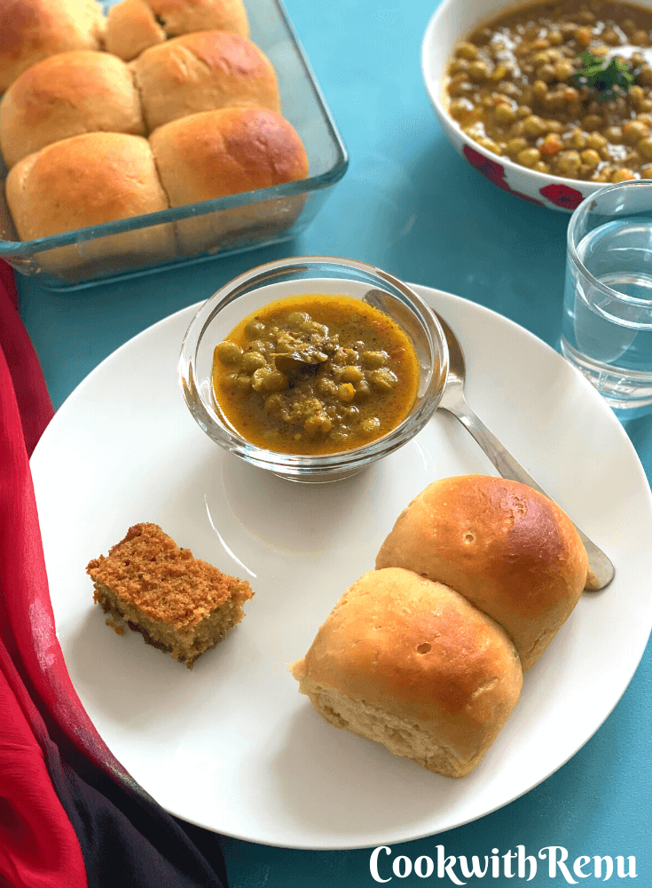 Chanya Tonak served along with 2 whole wheat pao and Goan Baath cake for Breakfast