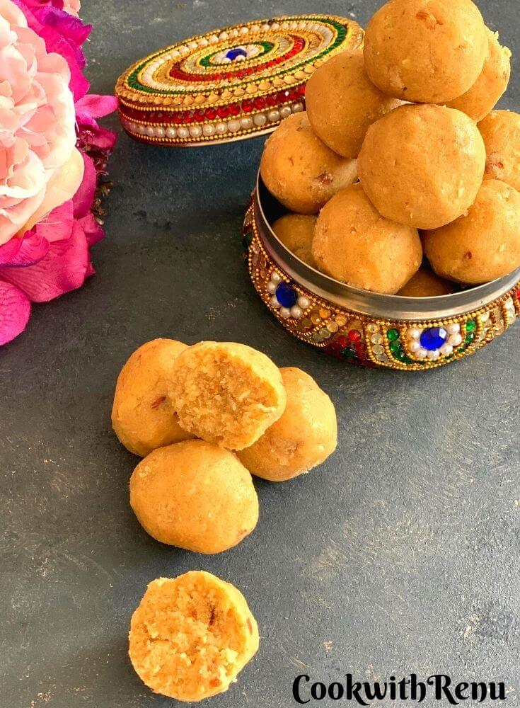 Atte aur Gond ke ladoo is a traditional winter delicacy that is very healthy and provides the body with the required amount of needed calories. It is displayed in a colorful box stacked one above the other in pyramid shape