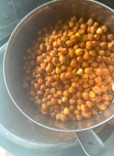 Adding of Chana in the cooked masala