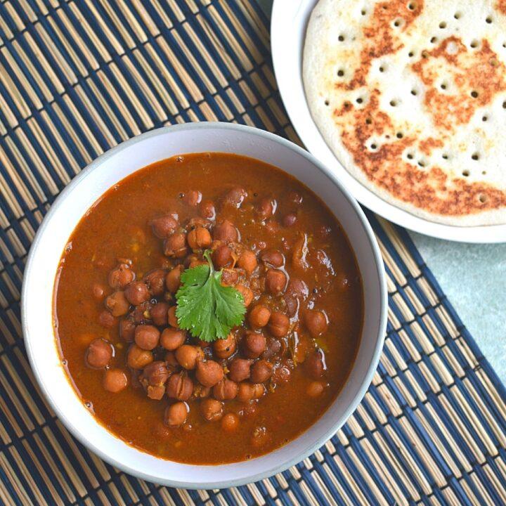 Kala Chana Amti (Black Chickpeas Curry)