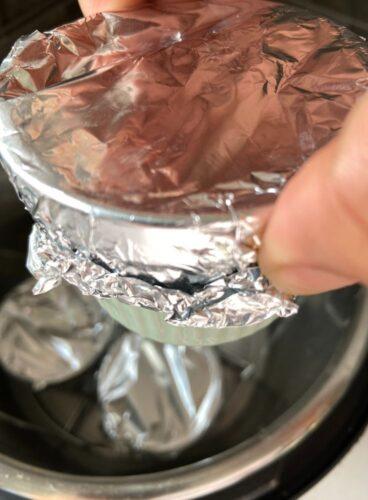 Sealing of the edges of ramekin moulds