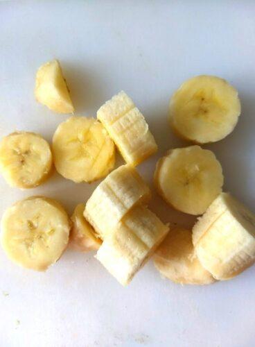 Chopped banana ready to be freezed